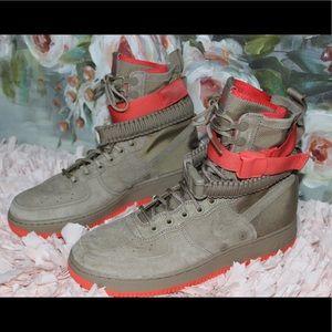 Nike SF AF1 Hightop's